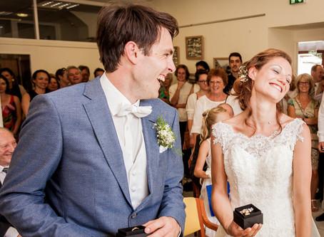Cérémonie de mariage: que faire en cas de fou rire?