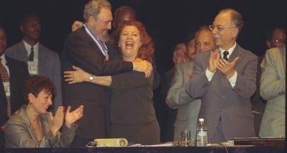 VÍDEO: Palestra Fidel Castro em 1999 na UERJ (filmagem completa do evento)