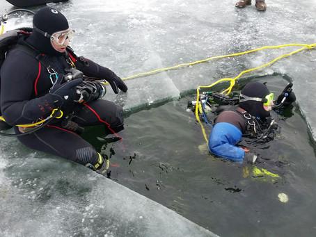 Ice Dive on Pewaukee Lake 1/8/2018