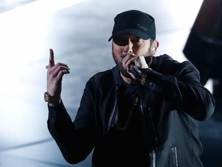 Eminem abre la caja del recuerdo de los Oscars.