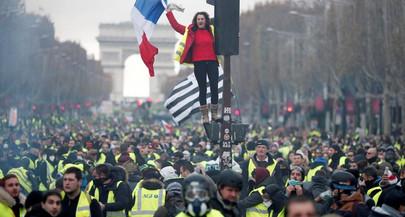 Protestos na França: mulher de 80 anos morta em Marselha
