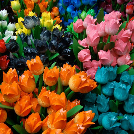 10 Pleasing Artificial Flower Decoration Ideas for your home