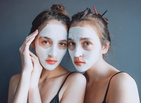 Le retour des masques à l'argile! Pourquoi la peau en redemande?