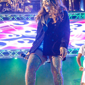 Pérola canta na 8ª edição do show da virada
