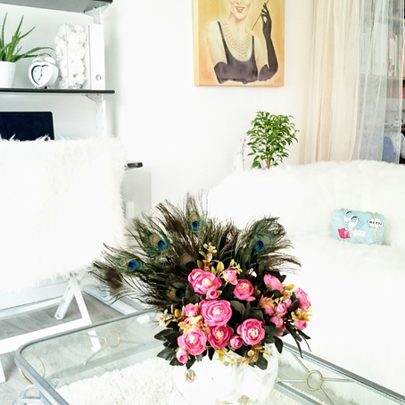 Minimalist Living Tips To Declutter & Simplify Your Space!