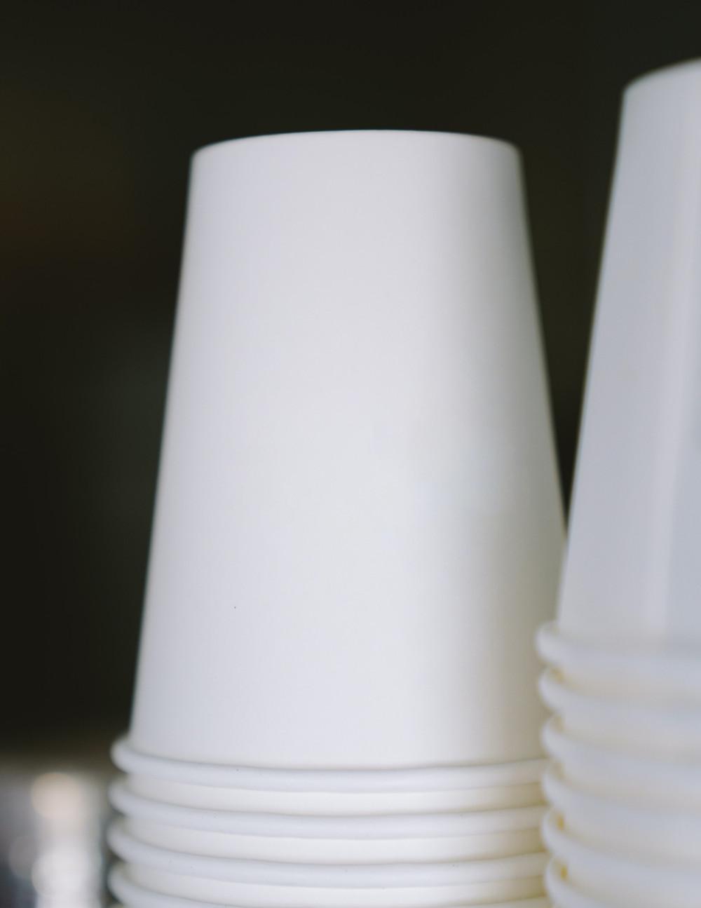 verres en carton pour vente à emporter dans les restaurants et hôtels