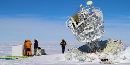 Antartikanın buzlarından garip parçacıklar fışkırıyor ve bu modern fiziği yerle bir edebilir