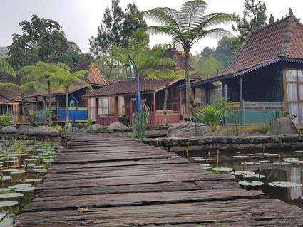 Tempat Family Gathering Bandung Ini Jadul Mempesona