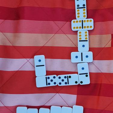 Sarah, Dominoes game