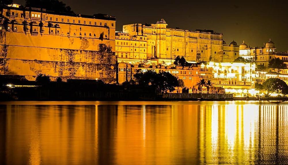 Udaipur city at night.