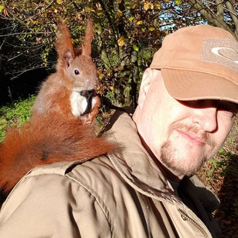 Man Rescues Baby Squirrel and Obviously they Become BFFs