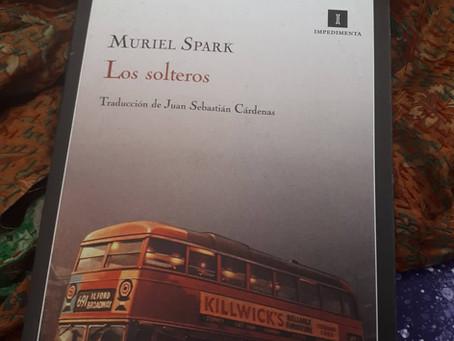 Los solteros, de Muriel Spark
