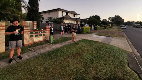 Australians around the country have gathered on driveways to commemorate Anzac Day amid coronavirus