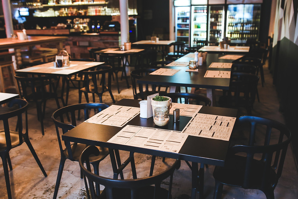 ristorante-tavoli-barbecue stile americano BBQ digital marketing