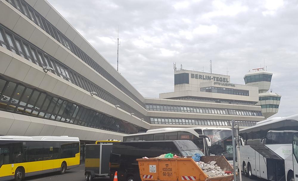 המבנה המפורסם של נמל התעופה טגל