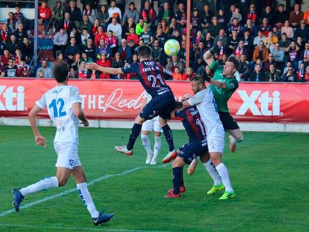 El Villarrobledo mereció mucho más en Yecla, pero la falta de gol le condena