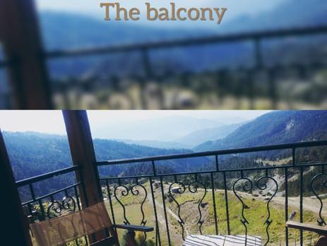 Το μπαλκόνι (to balkòni) The balcony