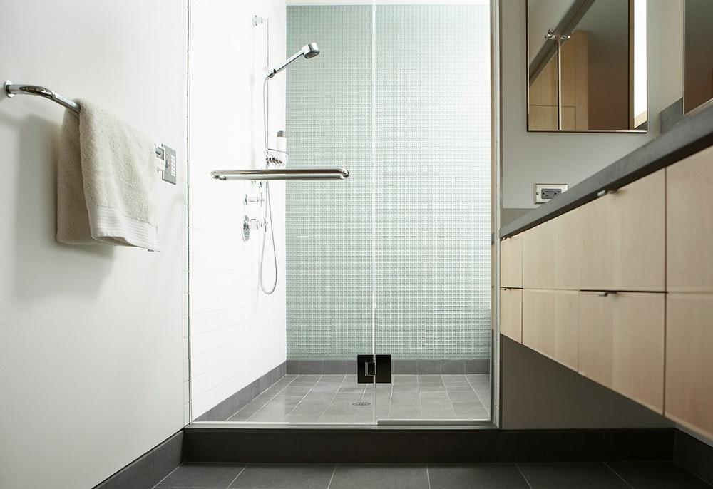 Clean glass door shower