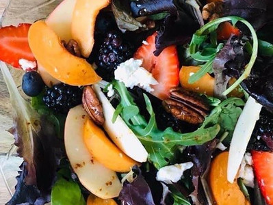 PEACH & BERRY SALAD (Vegan option) with a sweet garlic chilli dressing