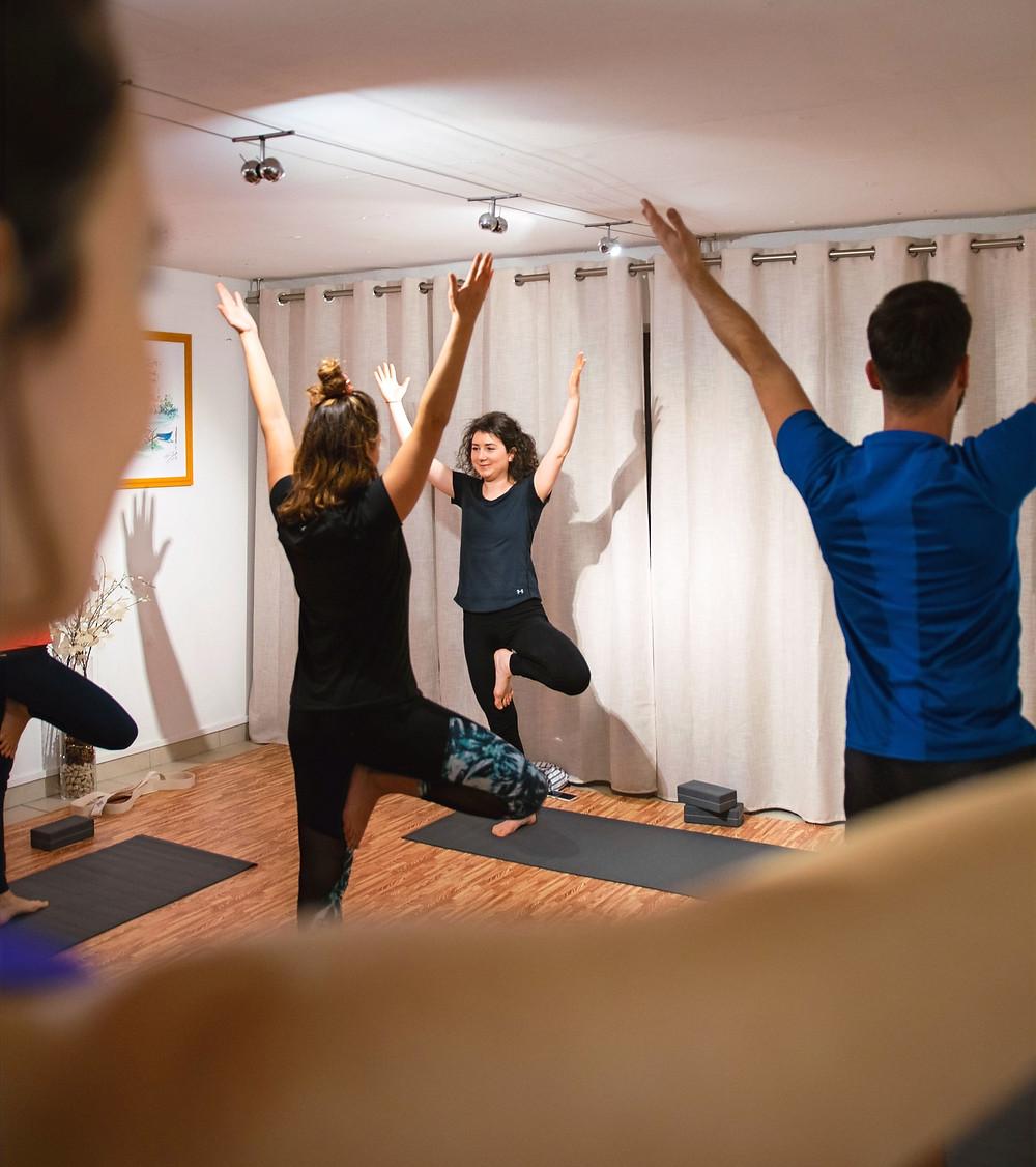 Cours de yoga authentique studio Lyon