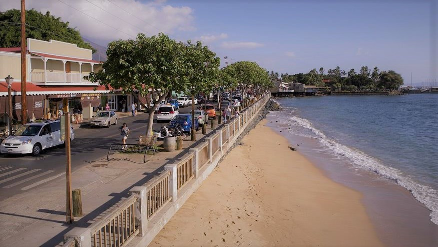 Quaint daily life on the sea front in Lahaina, Maui