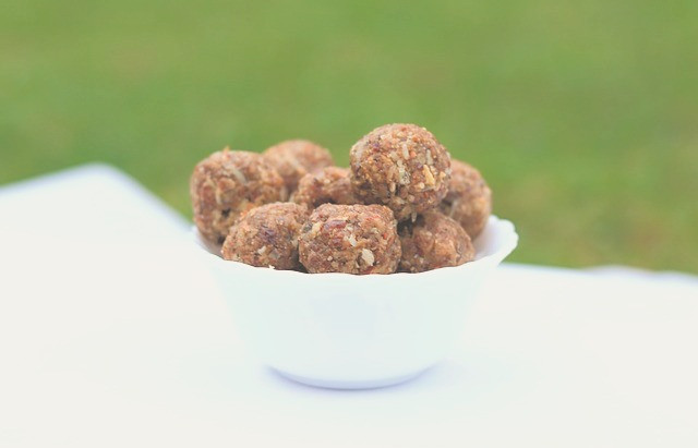 Ketogenic energy balls with chia