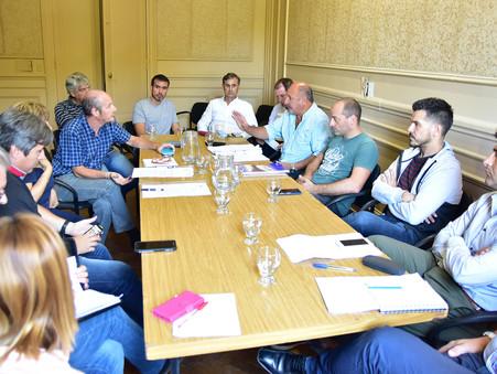 ''Es una vergüenza que no podamos tratar importantes proyectos que beneficiarán a los vecinos''