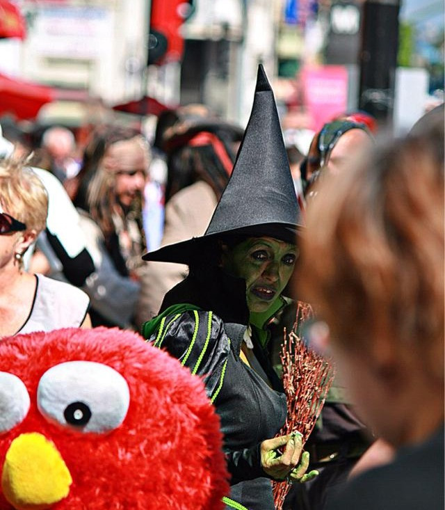 witch on hollywood blvd photo by brian donnelly