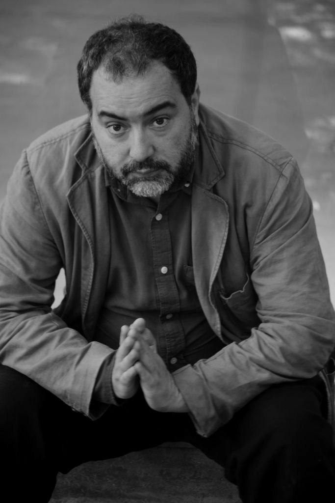 Rafael Gumucio_The Clinic