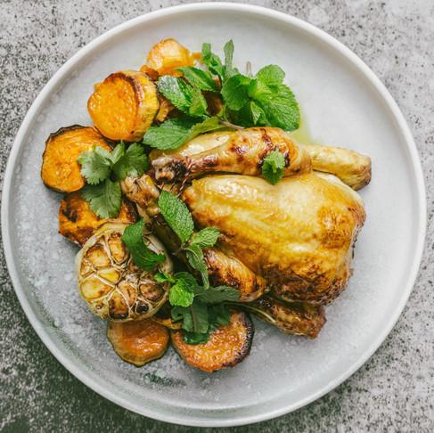 Savaitgalio pietums – aromatinė bomba: kukurūzinis viščiukas, marinuotas apelsininiame svieste!