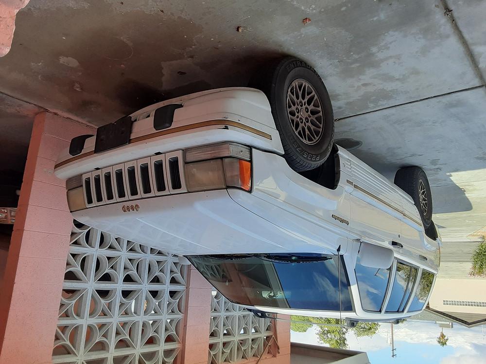 $1750 CHEROKEE V8  JEEP, MILES 180,000 4 DOORS , GOOD SHAPE, CALL ME 702 772 6775