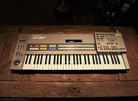 Roland JX-8P med PG800 Programmer: 11999:-