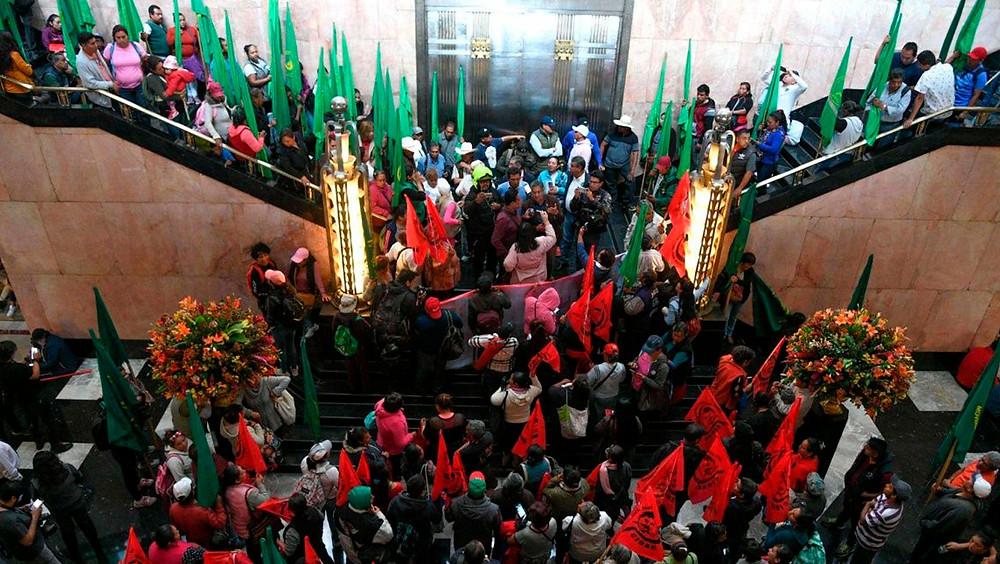Campesinos contra LGBT en Bellas Artes
