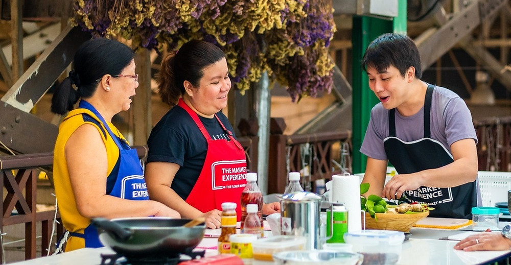 Tum teaching Thai cooking