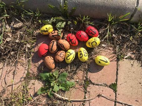 Húsvéti tojáskeresés a Kastély udvarán. (2019.)