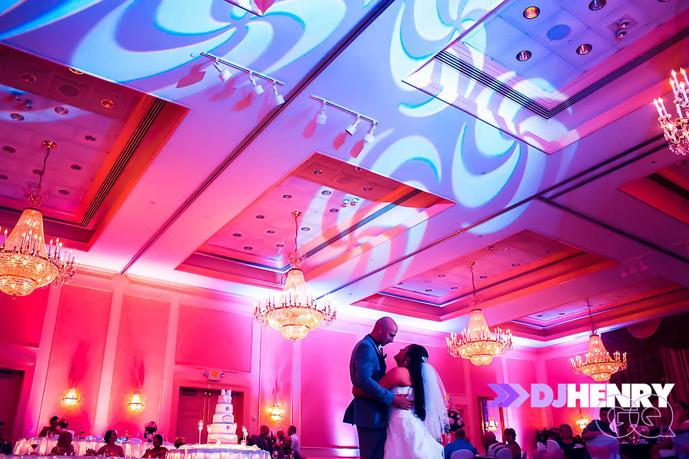 special ligthing designs were used to enhance their First Dance!