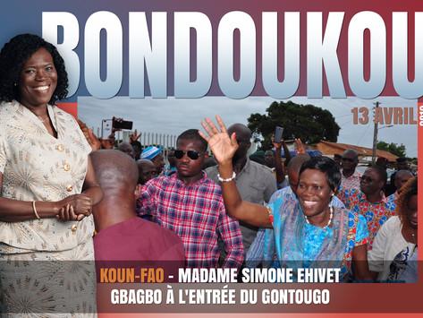KOUN-FAO: MADAME SIMONE EHIVET GBAGBO À L'ENTRÉE DU GONTOUGO