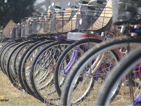 किसान र विद्यार्थीलाई माघीको उपहार १११ साइकल!