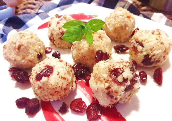 Mandlovo kokosové kuličky z jáhel