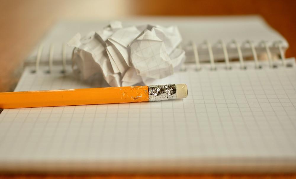 etiquetas, autoestima, borrador, lista, sé el jefe. hectorrc.com