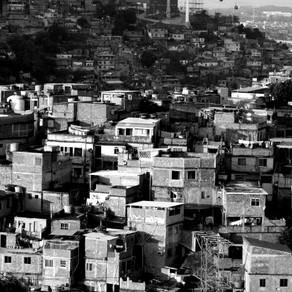 AKIZ sponsert Fussballspiel von MCGringo in Favela