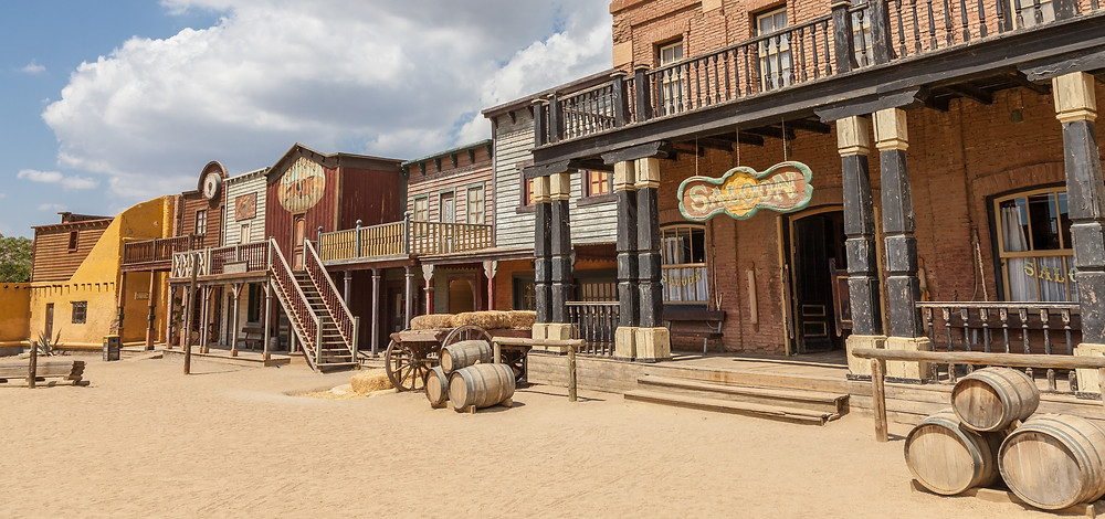 A picture of an old dusty Western town.