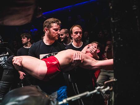 DAN MAGEE throws in the towel for MAD KURT against EDDIE KINGSTON!