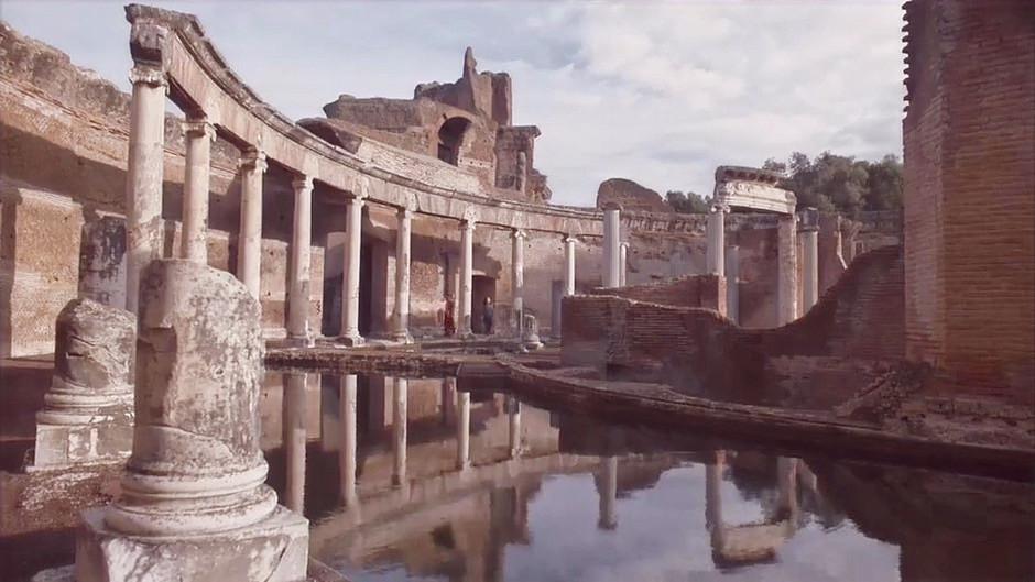 the theater of Hadrian's Villa