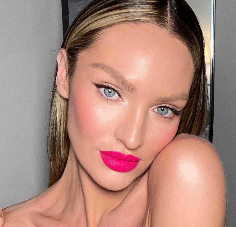 Batom pink, pink lipstick, 2020 makeup trend, tendência de maquiagem 2020