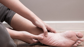 Dor nos pés: Saiba o que é Fascite Plantar e Esporão do Calcâneo