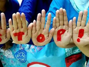Stop aux violences faites aux filles