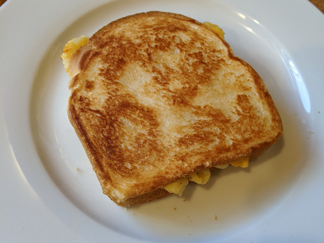 Viktor's Mac & Cheese Grilled Cheese Sandwich