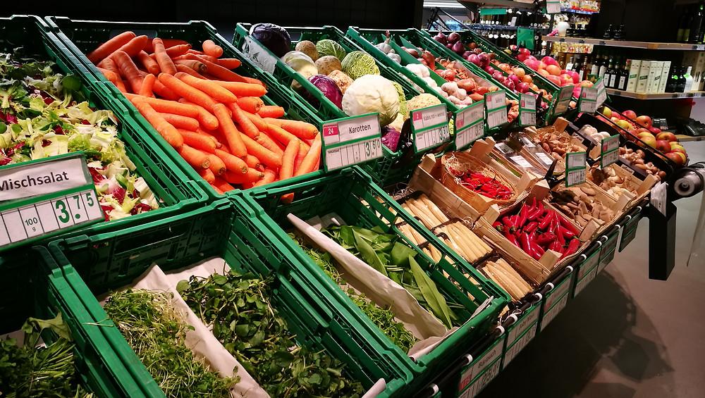Buntes und frisches Gemüseangebot bei G. Coldebella AG in Stans (evoo.expert)