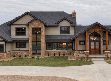Rustic Mountain Home in Waukee, Iowa